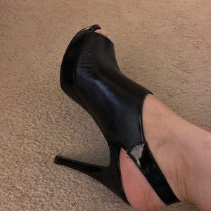 Nine West Black Size 8 1/2 Platform High Heels